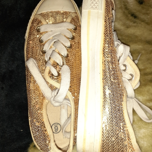 Shoes - Gold sparkle sneakers
